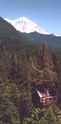 Cedar Creek Treehouse at Mount Rainier