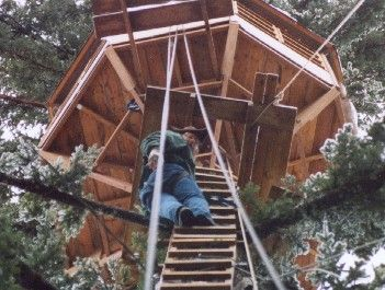 The old way up and down. The spiral staircase will make the ladder access obsolete.